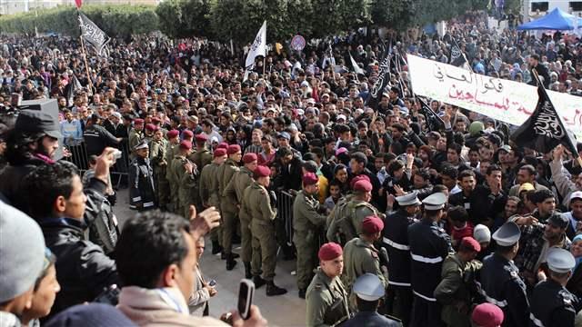 デモは、チュニジアで始まった