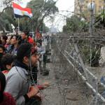 エジプトの継続的な抗議行動の継続