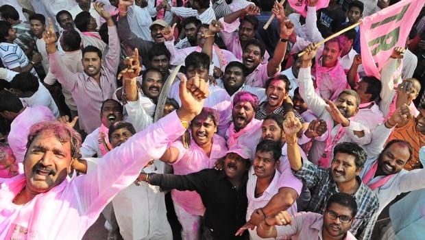 インド下院、承認されたアンドラプラデシュ州を分割することにより、新しい状態の形成