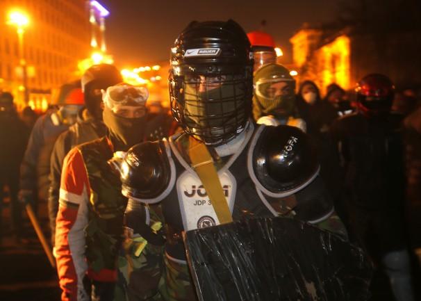 警察官を含む21人が死亡ウクライナの反政府デモ、、