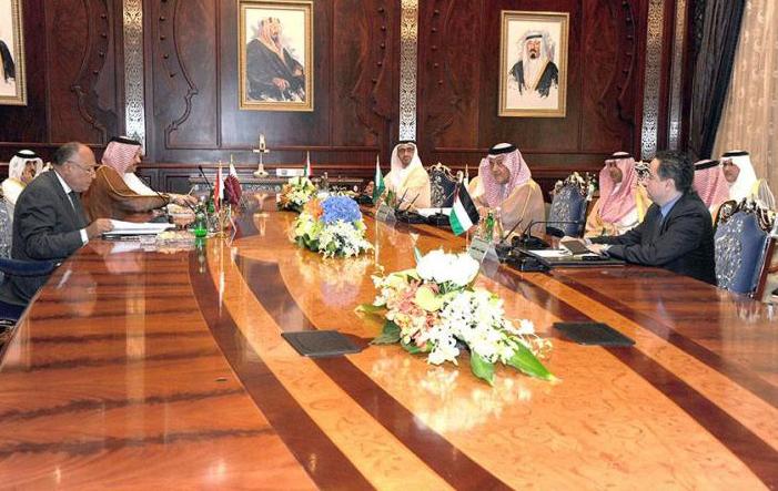 サウジアラビア代表団は、UAE当局者と会談
