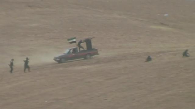 その15タンクのトルコに対するじいさん作用は、シリアの境界に設定されている