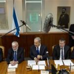 イスラエルはパレスチナ領土におけるユダヤ人入植地を建設し続けて