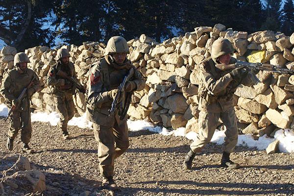 カイバルエージェンシー治安部隊と武装勢力が衝突
