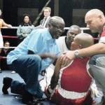 アフリカの女性ボクサーの死の間に負傷した戦いは昏睡状態にあると