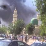 カノ市のナイジェリアのモスク攻撃、120人が死亡