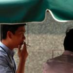 中国では公共の場、オフィスや公共交通機関での喫煙を禁止する
