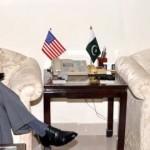オルソンとパキスタンの財務大臣