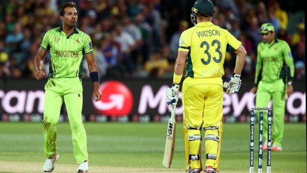 パキスタンは6ウィケットによってオーストラリアを破って準決勝に勝った