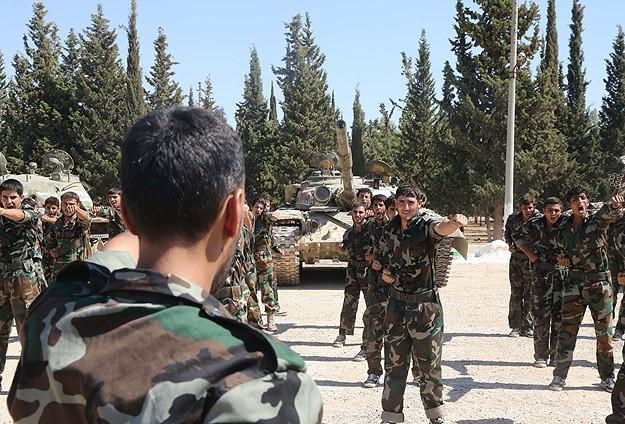 英国アメリカはシリアの反政府勢力の訓練のために準備