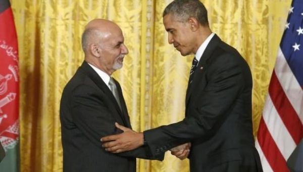 バラク·オバマ米大統領とホワイトハウスは大統領のアシュラフ·ガニーを満たすために