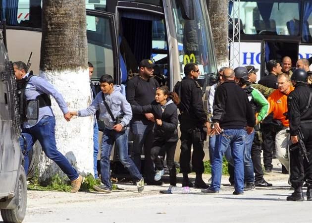 3日本人観光客を含むチュニジアのテロ攻撃は、事件で殺された