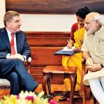 国際オリンピック委員会会長トーマス·バッハとインド首相ナレンドラ·モディ