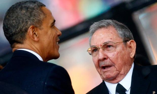 バラク·オバマ米大統領とキューバの社長ラウル·カストロ