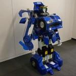 日本の技術は、ロボットに車のターンをしました