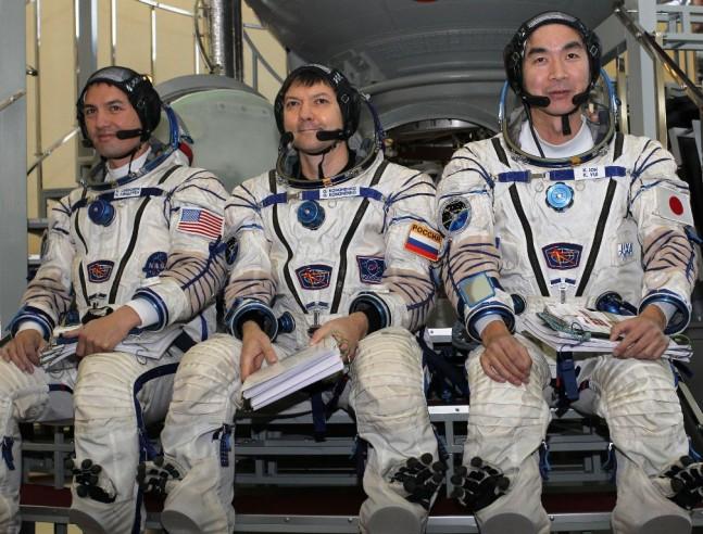 日本人宇宙飛行士が国際宇宙ステ...