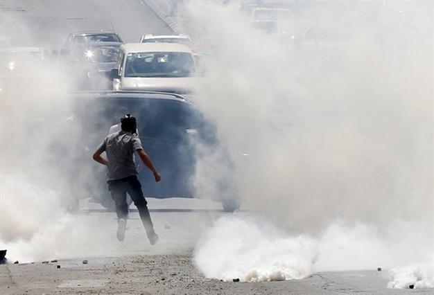 西岸地区の村では、イスラエル軍がパレスチナ人死者ティーンエイジャーが殺された撃た
