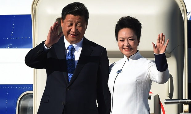中国の社長、習近平、そしてファーストレディー、鵬梨園