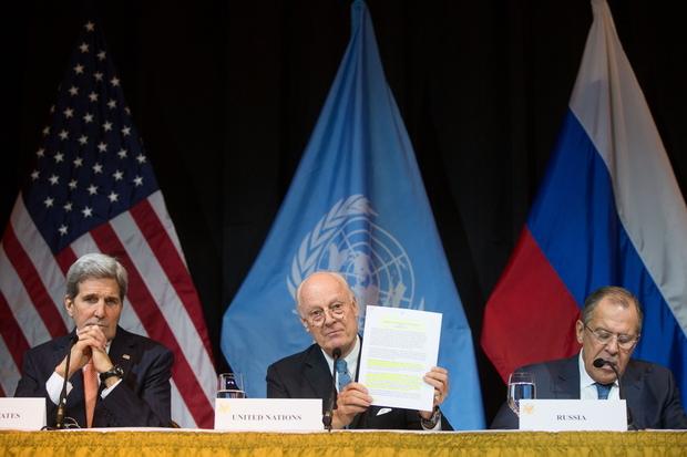 シリアでの暫定政府、世界の大国...