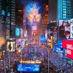タイムズスクエアは1000万人で新年を歓迎する、と予想されます