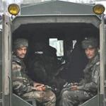 インドは承認されるより多くの軍隊を配備するカシミールの独立運動を鎮圧します