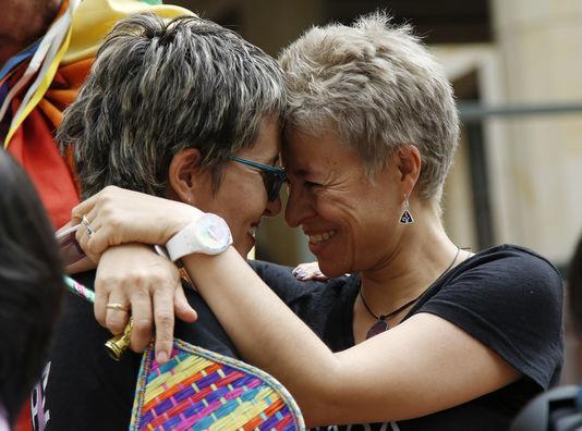 ゲイの結婚は今コロンビアで法的宣言されています