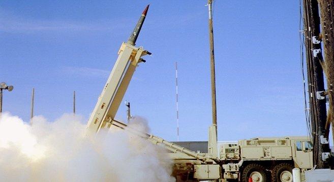 米国庁防衛システムTHAAD打ち上げ