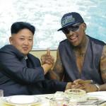 引退したアメリカのバスケットボール選手デニス・ロッドマン、北朝鮮金正恩の頭