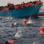 イタリアの沿岸警備隊の救助は7000少なくとも40救助活動中にリビアに移住者を一本鎖