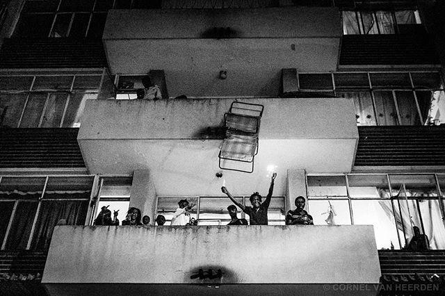 ヨハネスブルグで毎年、人々は家の家を出す
