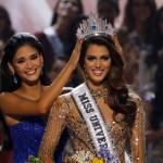 Miss France Iris Mittenaereがミスユニバース王冠を獲得
