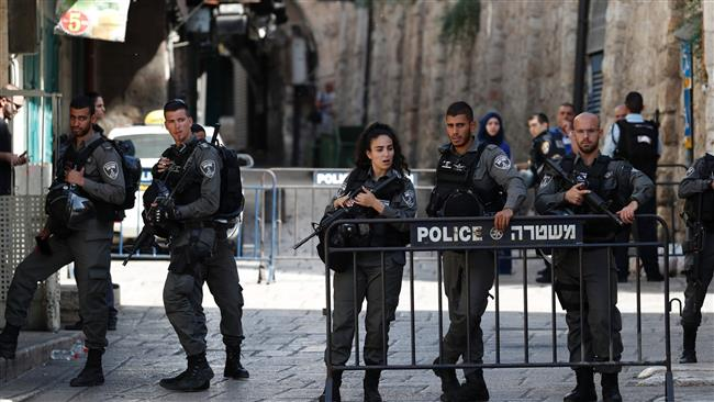 パレスチナ人はアル・アクサで3日連続してパレスチナ人を禁止し続けている
