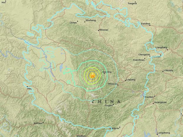 中国四川省のマグニチュード6.5の地震