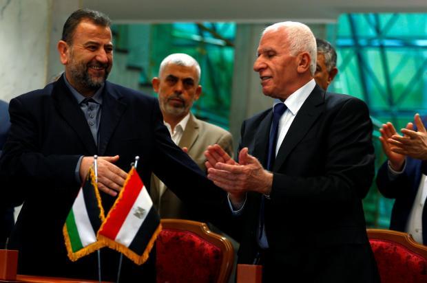 ファタハ交渉担当者、アザム・アルアハメド、ハマスの代表的なサレアル・アウリリ