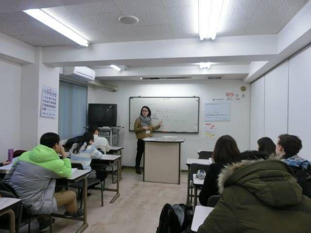 日本に関連するさまざまな企業に設立された日本語学校
