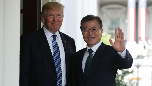 ドナルド・トランプと韓国のムン・ジェイン会長との電話による会話