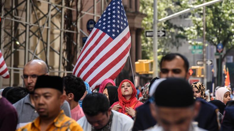 ピュー・リサーチ(Pew Research)に基づく研究では、米国ではイスラム教徒の人口が日々増えていることが明らかになっています。