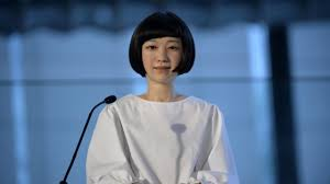 日本のエレガントな女性ロボットエリカ