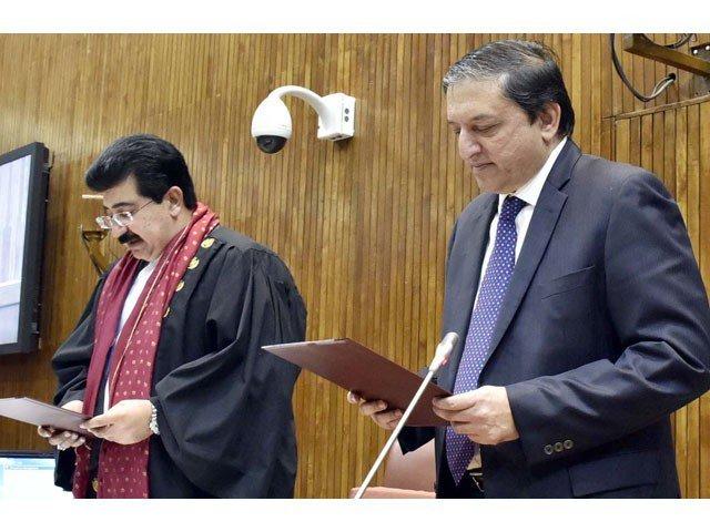 指名された議長の上院議員Sadiq Sanjaniは、Sardar Yaqub Nasir