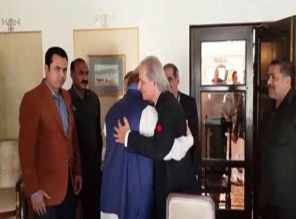 ナワズ・シャリフは、Javed Hashimiがミール・ナワズの声明に再び党に加わることを祝福した
