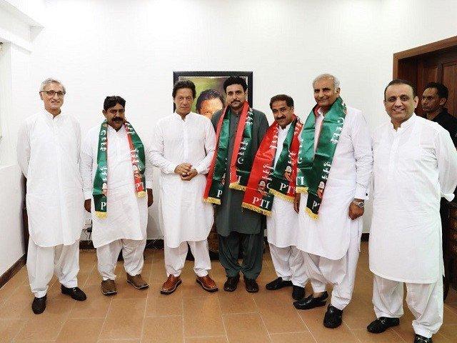 PTIはパンジャブ州政府の141人のメンバーを主張