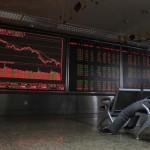 日本のベンチマーク株価指数は、木曜日の早い取引で300ポイント以上を失って戻った