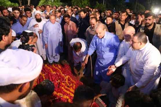 Begum Kulsoom NawazがJati Umraに埋葬される