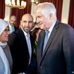 ホースト・シホイファードイツ内相がドイツのイスラム会議を開幕