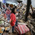 インドネシアの津波死者数は429人に増加