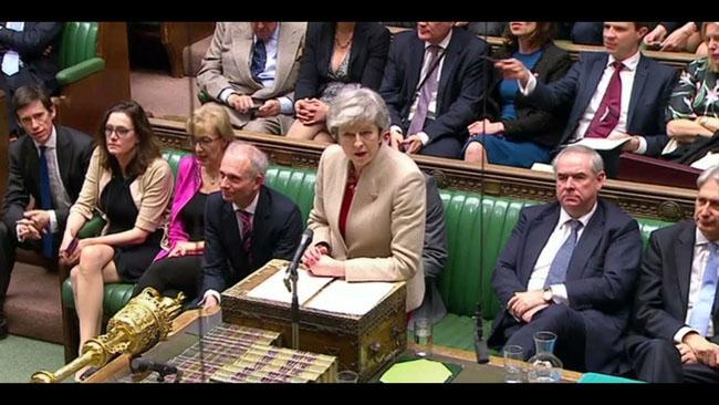 英国議会では、286年の短期契約に286票が投じられ、344票が反対されました。