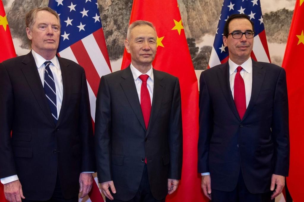 貿易は米国の広報担当者ロバートLighthizerと財務長官スティーブンMnuchながら中国副首相劉の