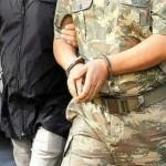 トルコ、200人以上の軍人の逮捕状を発行