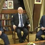 イスラエルのベンジャミン・ネタニヤフ首相と彼の政治的ライバルのベニー・ガンツとイスラエル大統領のルーベン・リブリン