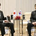 河野太郎国防相と韓国のジョン・キョンドゥ
